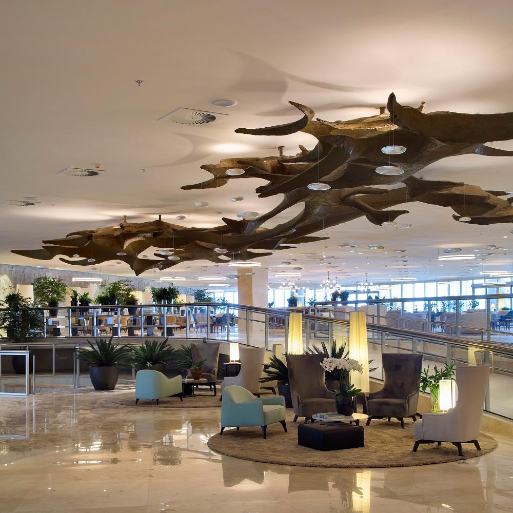 Hotel Oscar Niemeyer heropent na twintig jaar